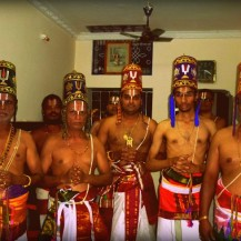 The Araiyar men wearing the traditional 'Panchakacham and Araiyar kulla' Photo courtesy: anudinam.org