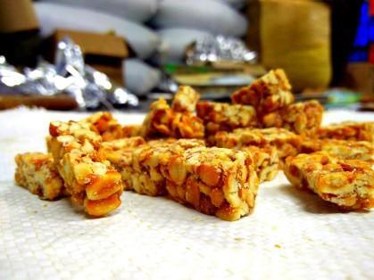 Kovilpatti Kadalai mittais- Groundnut candy